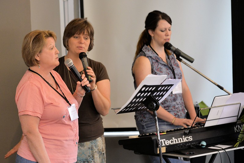 _DG16696-12R Worship Team.JPG
