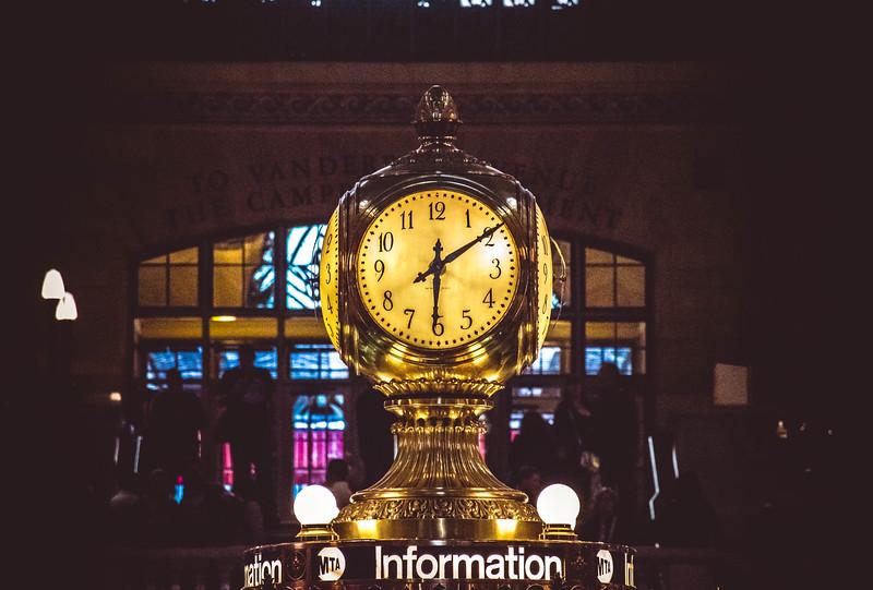 Grand central clock close.jpg