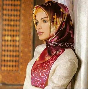 Tukish Actress dress & makeup inspiration
