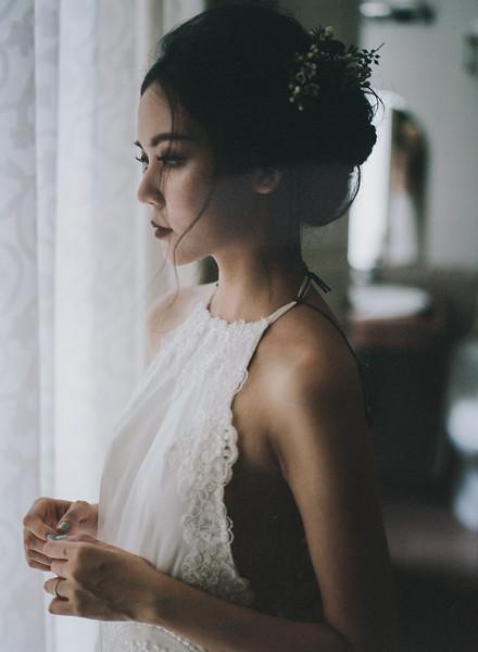 Tu-Nguyen-Destination-Wedding-Photography-Elopement-Vietnam-Pali-Louis-w-41b.jpg