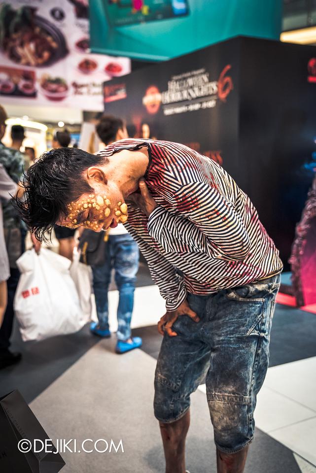 Universal Studios Singapore - Halloween Horror Nights 6 Before Dark Day Photo Report 2 - Roadshow 2 / poisoned teen gasp