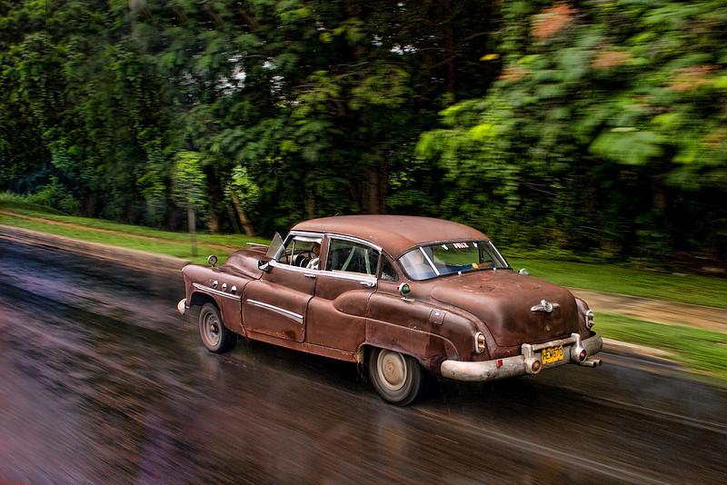 Cuba Havana brown car 9529.jpg