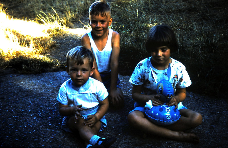 1961-1 (6) Geoffrey Ebbs, Russell & Dianne Taylor.JPG