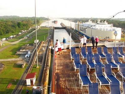 Statendam Panama Canal Cruise Feb 4 2011