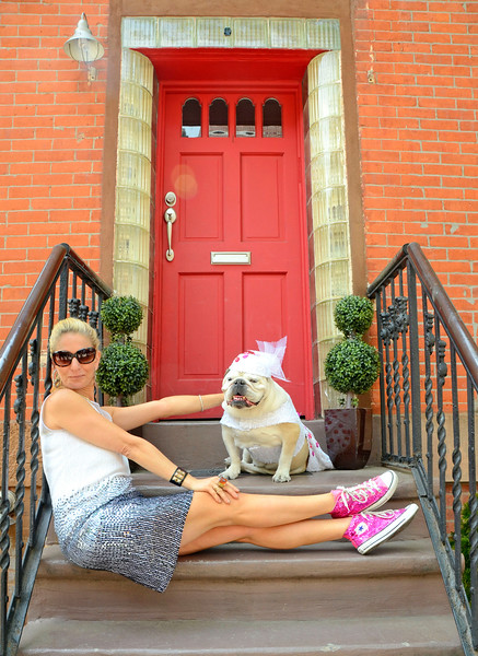 """BROOKLYN, NEW YORK - MAY 15: Photoshoot """"on the stoop"""" with Cat Greenleaf and her four dogs on May 15, 2015 in Brooklyn, New York. (Photo by Lukas Maverick Greyson)"""