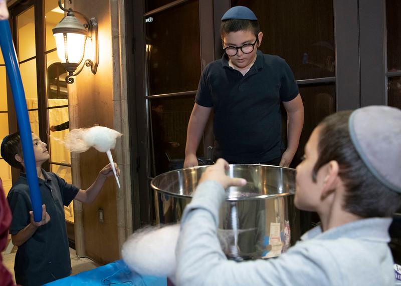 Brentwood Chabad -Chanukah1082.jpg