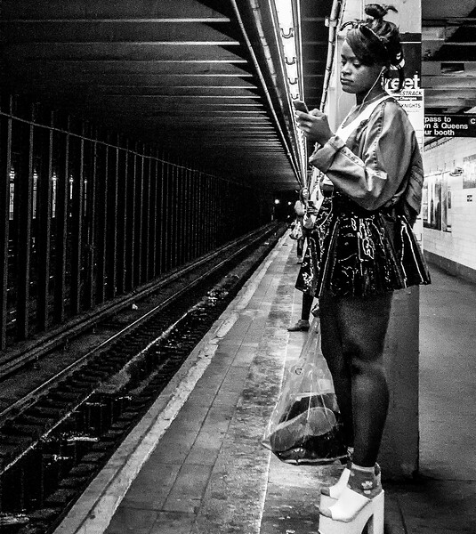 WAITING FOR NEW YORK SUBWAY__Travel1dig_Colton.ann14_208.jpg