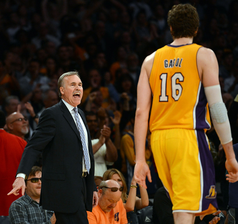 . Lakers coach Mike D\'Antoni during their game against the Warriors at the Staples Center in Los Angeles Friday, April 12, 2013. The Lakers beat the Warriors 118-116. (Hans Gutknecht/Los Angeles Daily News)