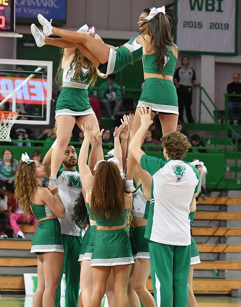 cheerleaders3207.jpg