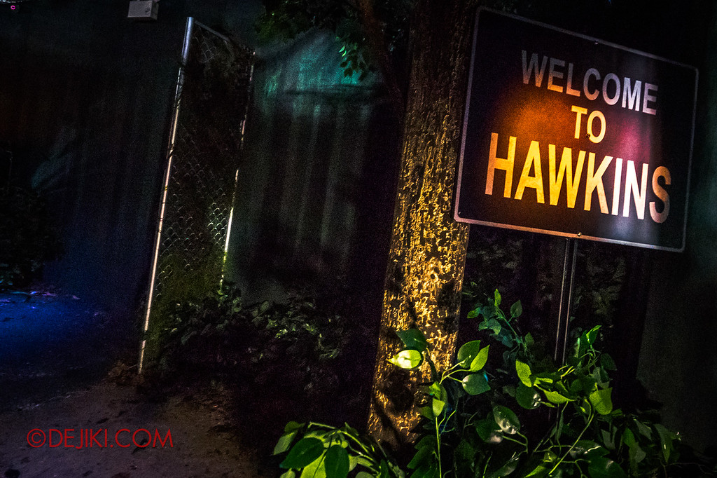 USS Halloween Horror Nights 8 Stranger Things haunted house maze - Welcome to Hawkins
