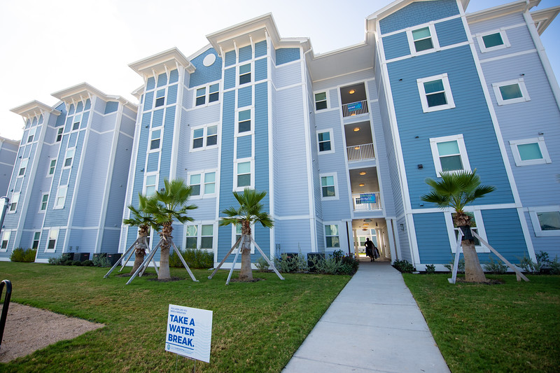 2018_0823-MoveInDay-MomentumVillage-3632.jpg