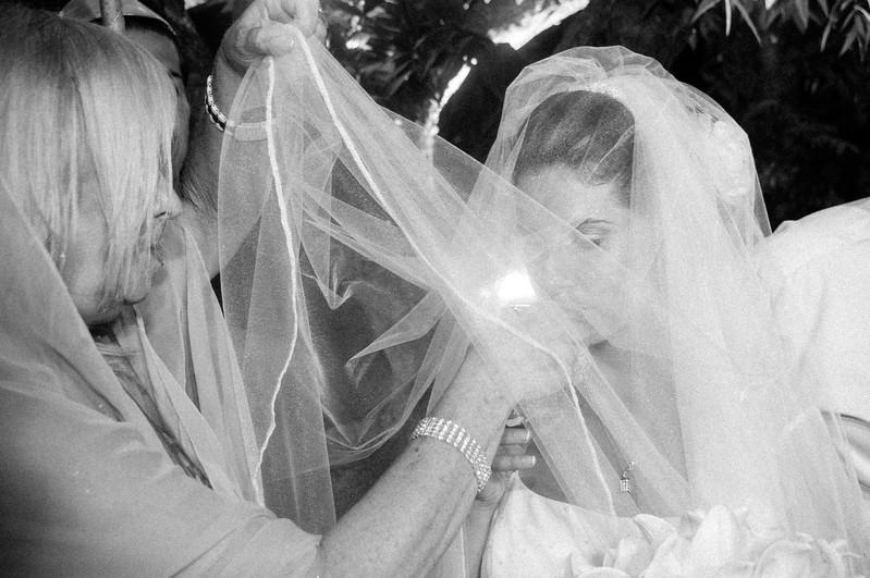 Zehavit_and_Tzahi_Wedding_1948.jpg
