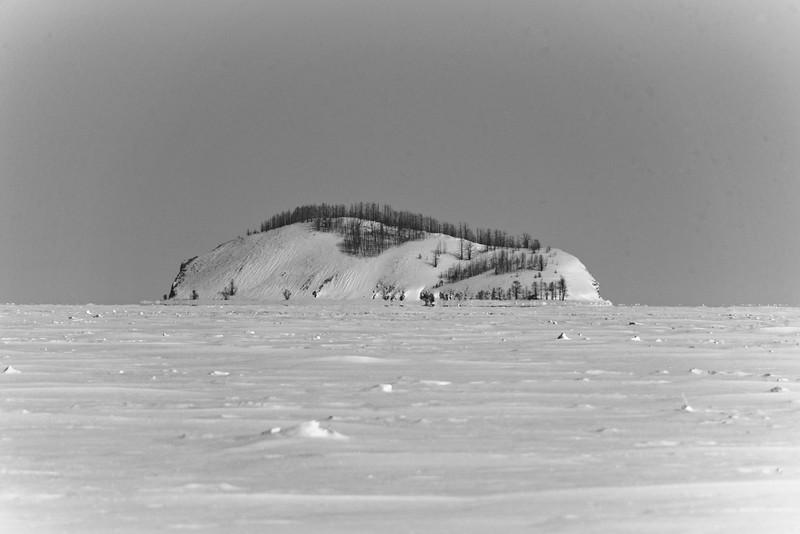 Ostrov Lokhmatyy in Chivyrkuskiy zaltiv, Lake Baikal east coast