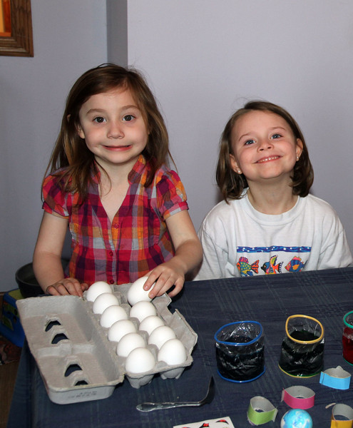 Izzy skylar color eggs.jpg