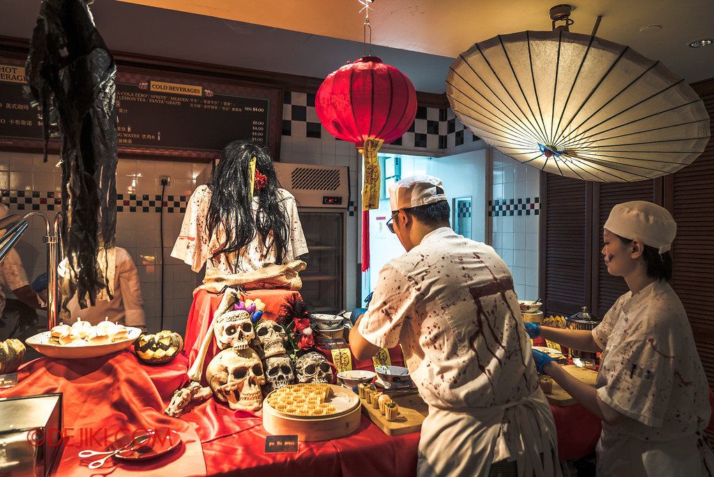 Halloween Horror Nights 7 Singapore - RIP Tour Review / Buffet Dinner undead chefs