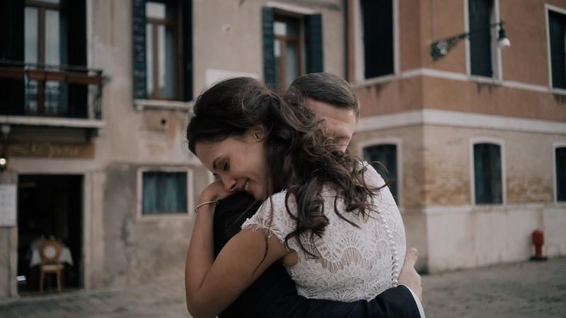 Tu-Nguyen-Destination-Wedding-Photographer-Elopement-Venice-Italy-Europe-w62a41.jpg