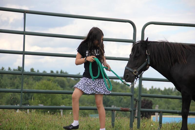 kars4kids_thezone_camp_girlsDivsion_activities_HorseBackRiding (15).JPG