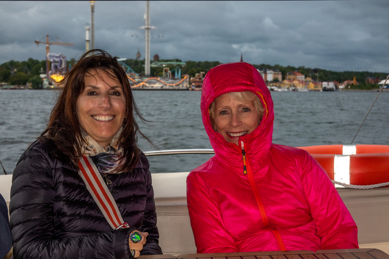 Robin and Denise bundled up for canal cruise