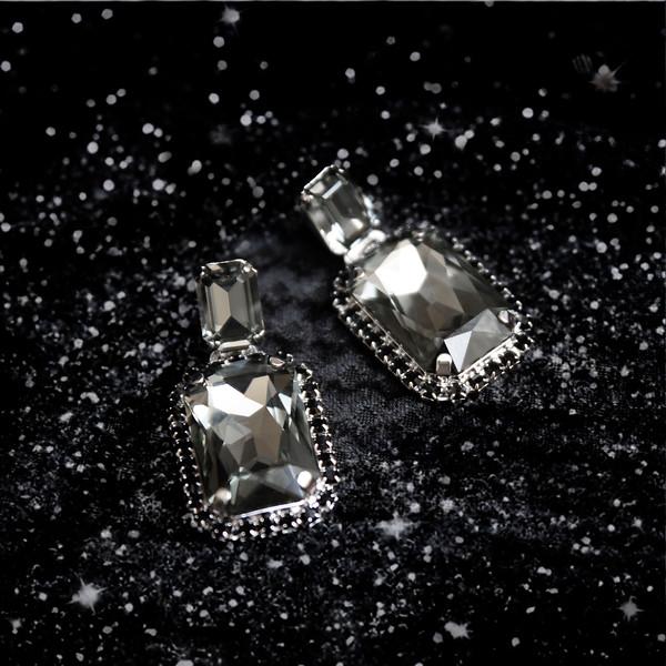 Alexa earrings black diamond glitter.jpg