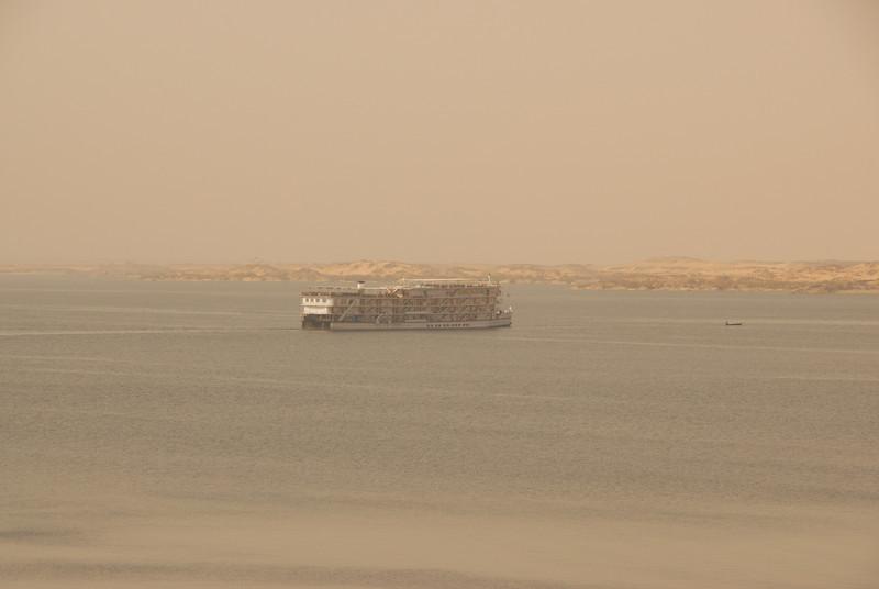 [20101005] Day 6 - Aswan Dam (22).JPG