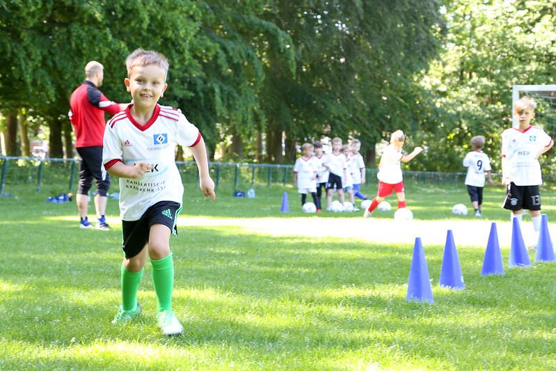 hsv_fussballschule-114_48047990508_o.jpg