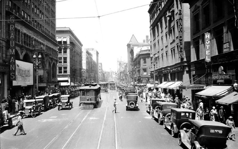 Broadway north between 3rd and 4th Streets ca.1924-1927