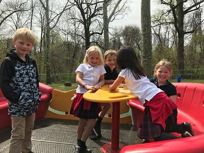 Kindergarten  Goes to Smith Playground