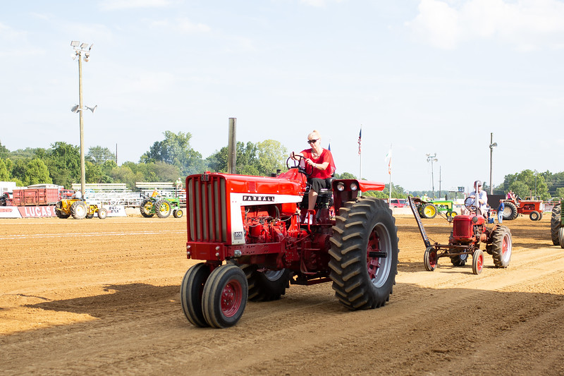 Antique Tractor Parade-12.jpg