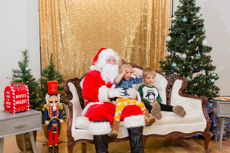 FADS Picture with Santa-300.jpg
