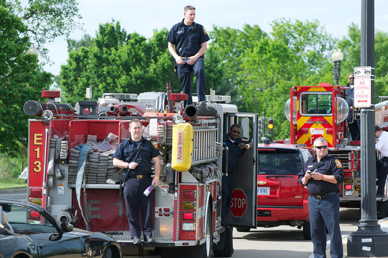 Some #DCFD observing the rare shuttle sighting....