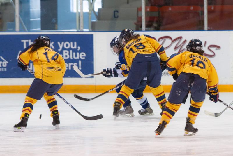 20130310 QWHockeyvsUBC 163.jpg