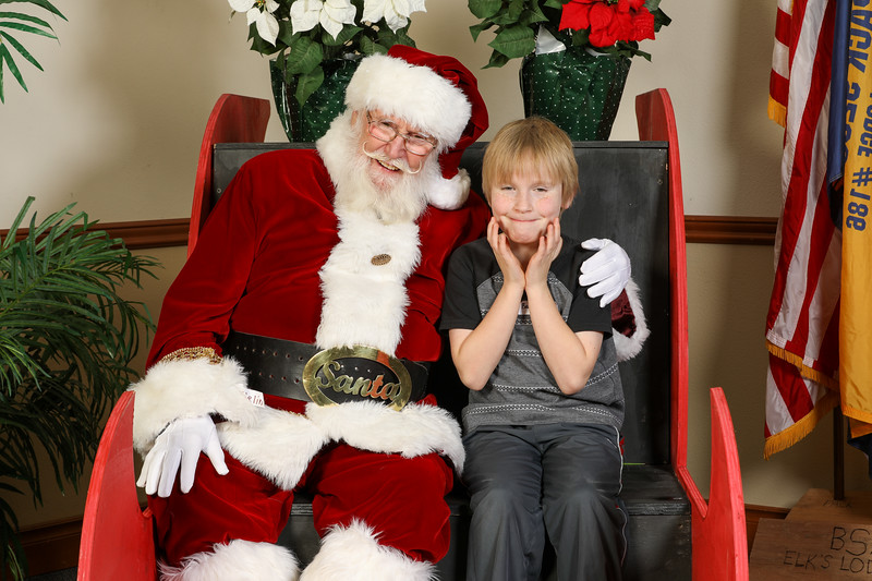TBTP 2019 Photos with Santa-80.JPG