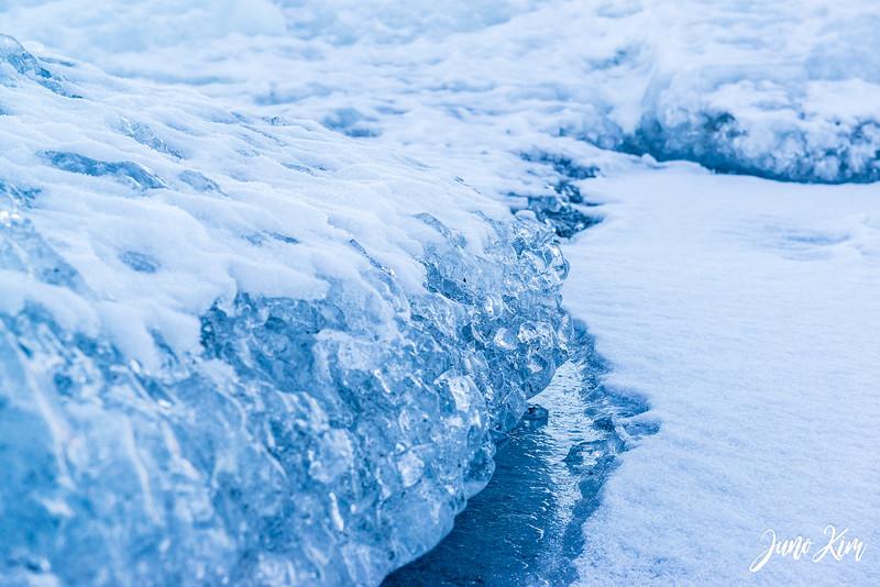 Matanuska Glacier_Karen-6105607-Juno Kim.jpg