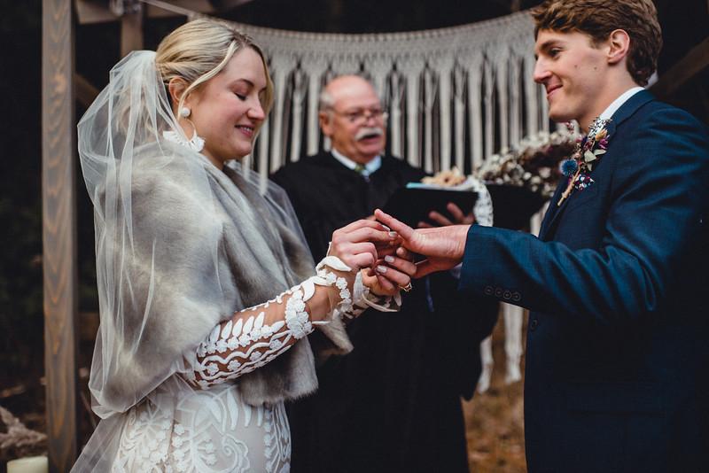Requiem Images - Luxury Boho Winter Mountain Intimate Wedding - Seven Springs - Laurel Highlands - Blake Holly -1070.jpg