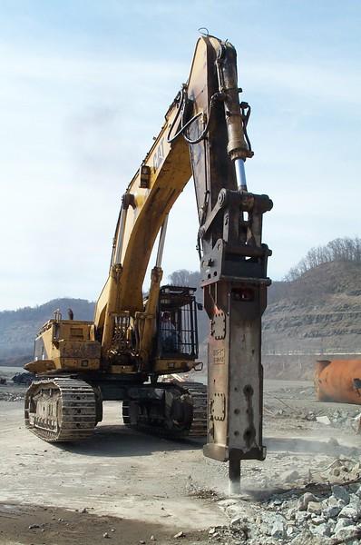 NPK E240A hydraulic hammer on Cat 375 excavator (1).jpg