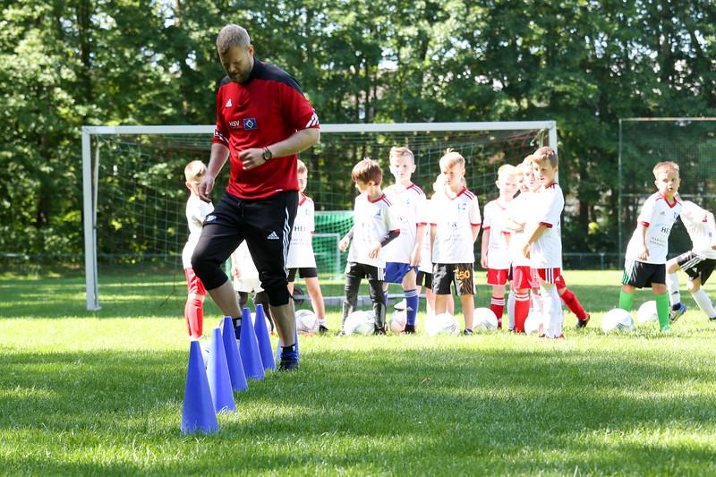 hsv_fussballschule-076_48048029362_o.jpg