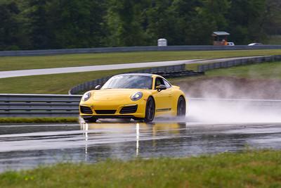 2020 SCCA TNiA Sept2 Pitt Race Int Yellow Porsche 911