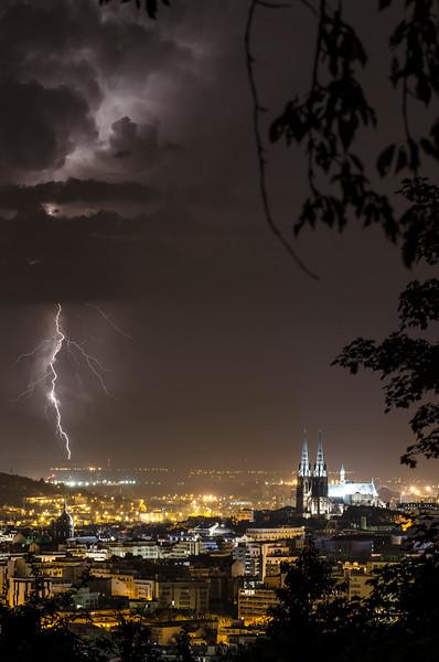 éclair cathédrale.jpg