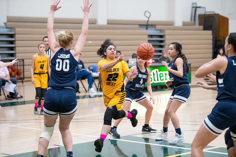 Basketball-W-2020-01-31-7719.jpg