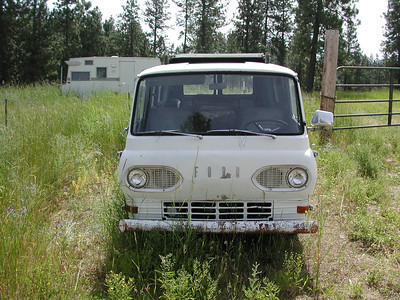 "61 Ford Econoline ""Breadbox"""