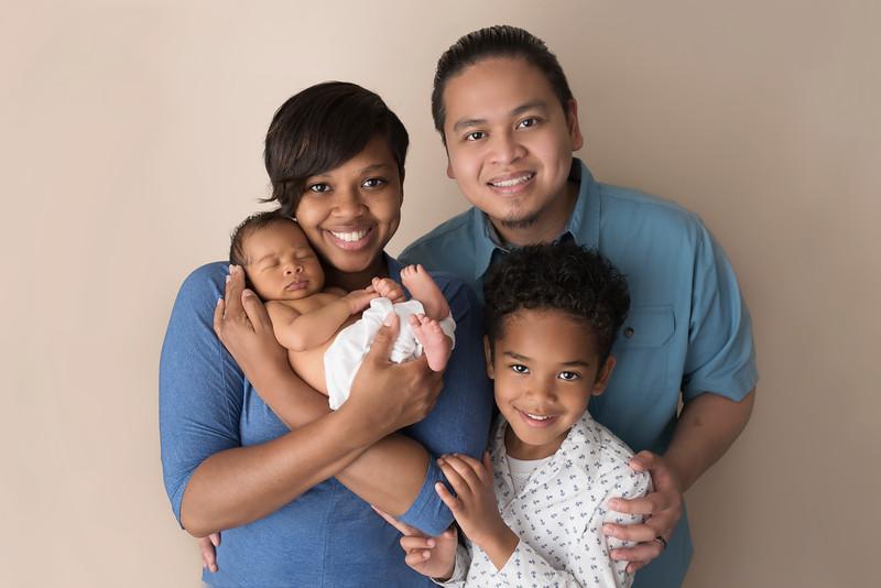 newborn-family-photographer_4427 26.jpg