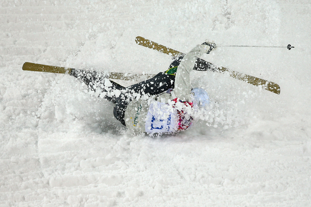 . Dale Begg-Smith of Australia crashes out in the Men\'s Moguls Qualification on day three of the Sochi 2014 Winter Olympics at Rosa Khutor Extreme Park on February 10, 2014 in Sochi, Russia.  (Photo by Cameron Spencer/Getty Images)