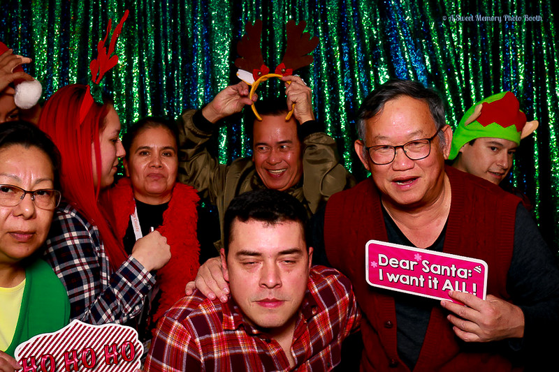 Medtronic Holiday Party -416.jpg