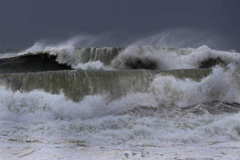 waves-storm_1280.jpg