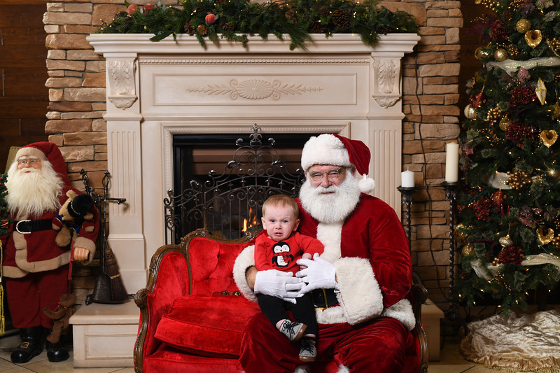 Santa2018.TylerBoye.-85.jpg