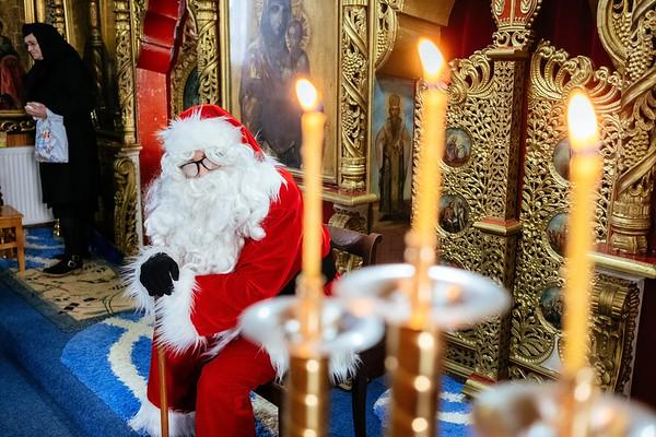 Moș Crăciun la Biserica Bucșoaia
