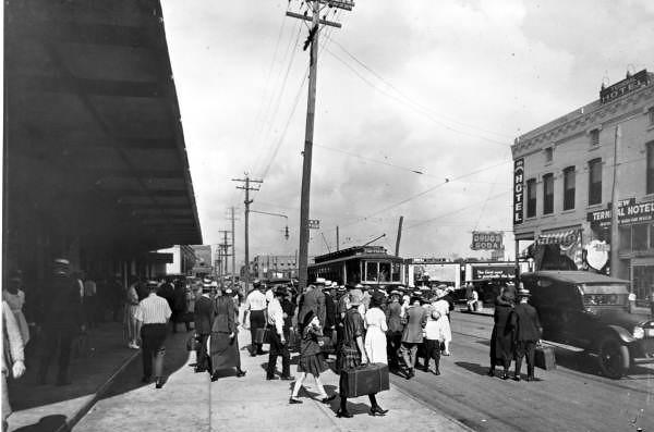 Bay Street - 1921.jpg