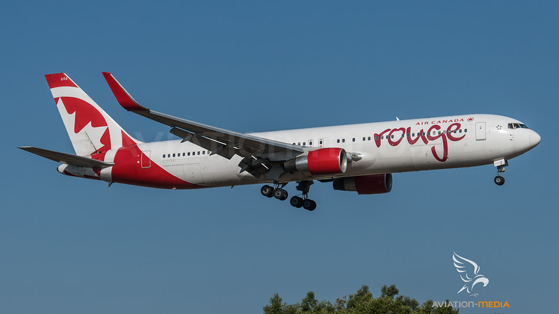 Air Canada Rouge / Boeing B767-33A(ER)(WL) / C-FIYE /