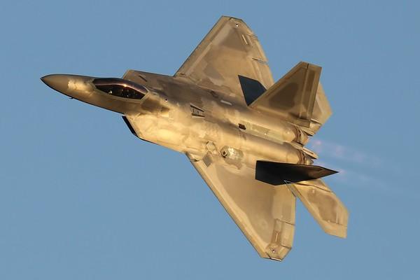 "U.S. Air Force F-22 ""Raptor"", Langley AFB, 19Dec19"
