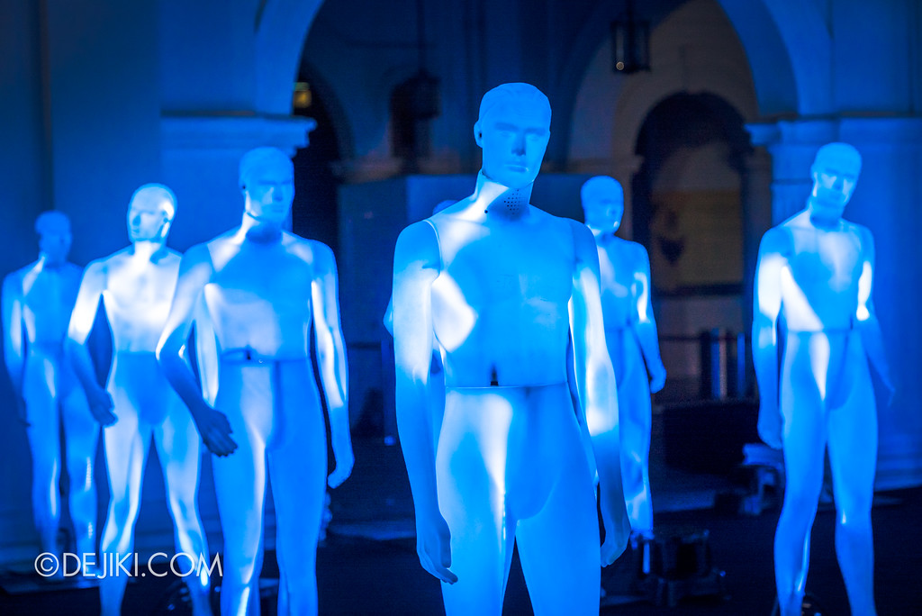 Singapore Night Festival 2017 / The Standing Men by ADDN (FR) wide